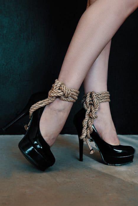 Photo: Gerry Pelser - Model: Raven Rose